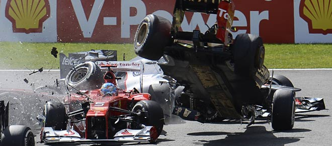 Button gana en B�lgica, donde Vettel recorta 18 puntos a un 'accidentado' Alonso